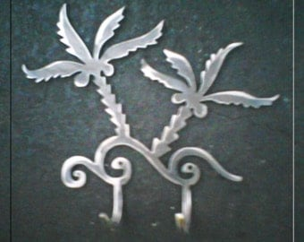 Coconut Palms with Hooks Metal Art