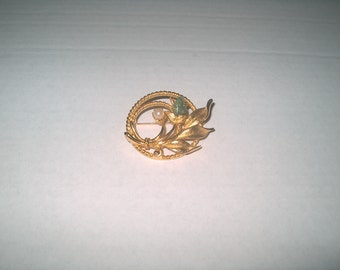 Sara Coventry Signed, Vintage Costume Jewelry Brooch Pin, WAS 12.00 - 20% = 9.60