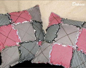 Decorative cushions in the art of patchwork and quilt