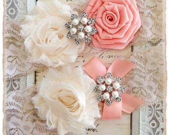 Wedding Garter, Bridal Garter, Lace Wedding garter Set, Ivory Garter Set - Ivory Lace, Cream and Peach Flowers