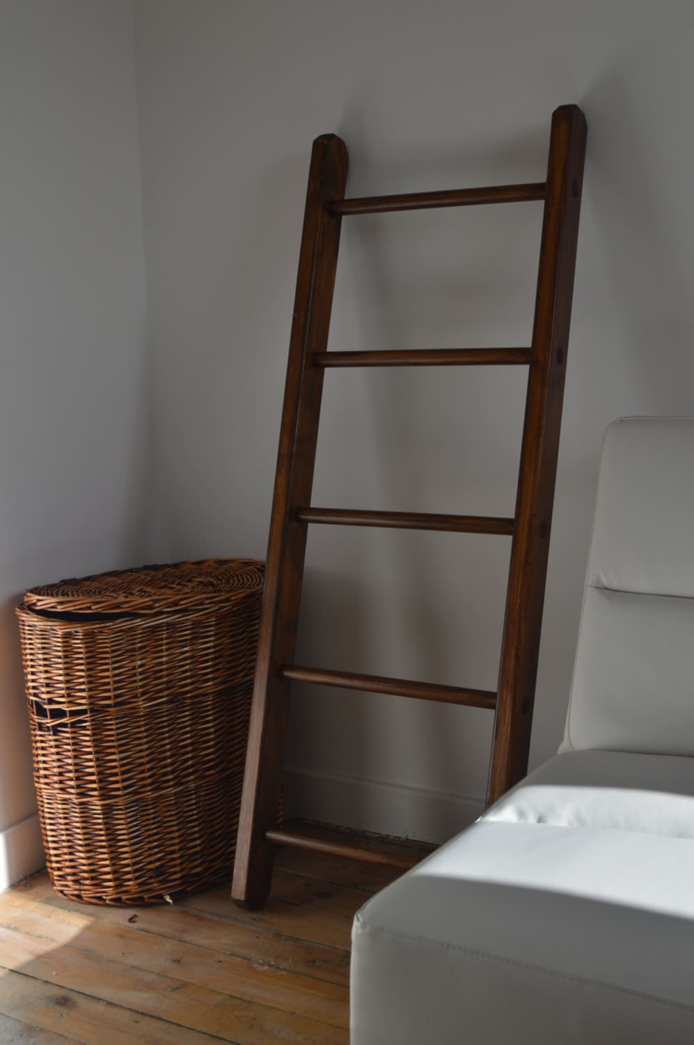 Small multi purpose home decorative wooden ladder for Decorative home