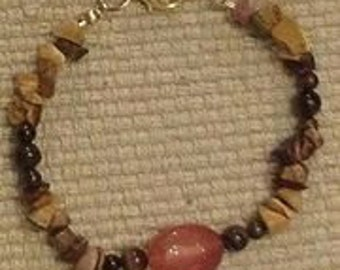 canyon: stone bead bracelet featuring mookiate chips, red tigereye and carnelian