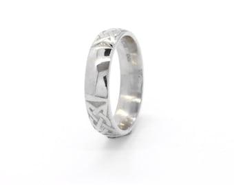 Mens 14ct White Gold Irish Celtic Wedding Ring