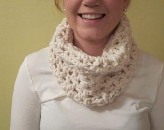 Crochet Cowl chunky wool in White Sparkle