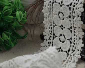 ivory white cotton Lace Trim, vintage lace trim, antique lace fabric, cotton trim lace, retro floral lace, scallop trim lace