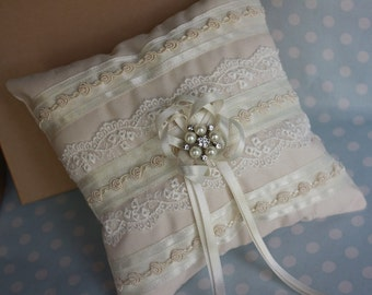 SALE... Ivory Loop and Pearl Brooch Centre Ring Cushion FREE UK P&P