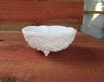 Kemple-Mckee Milkglass Three-footed Bowl