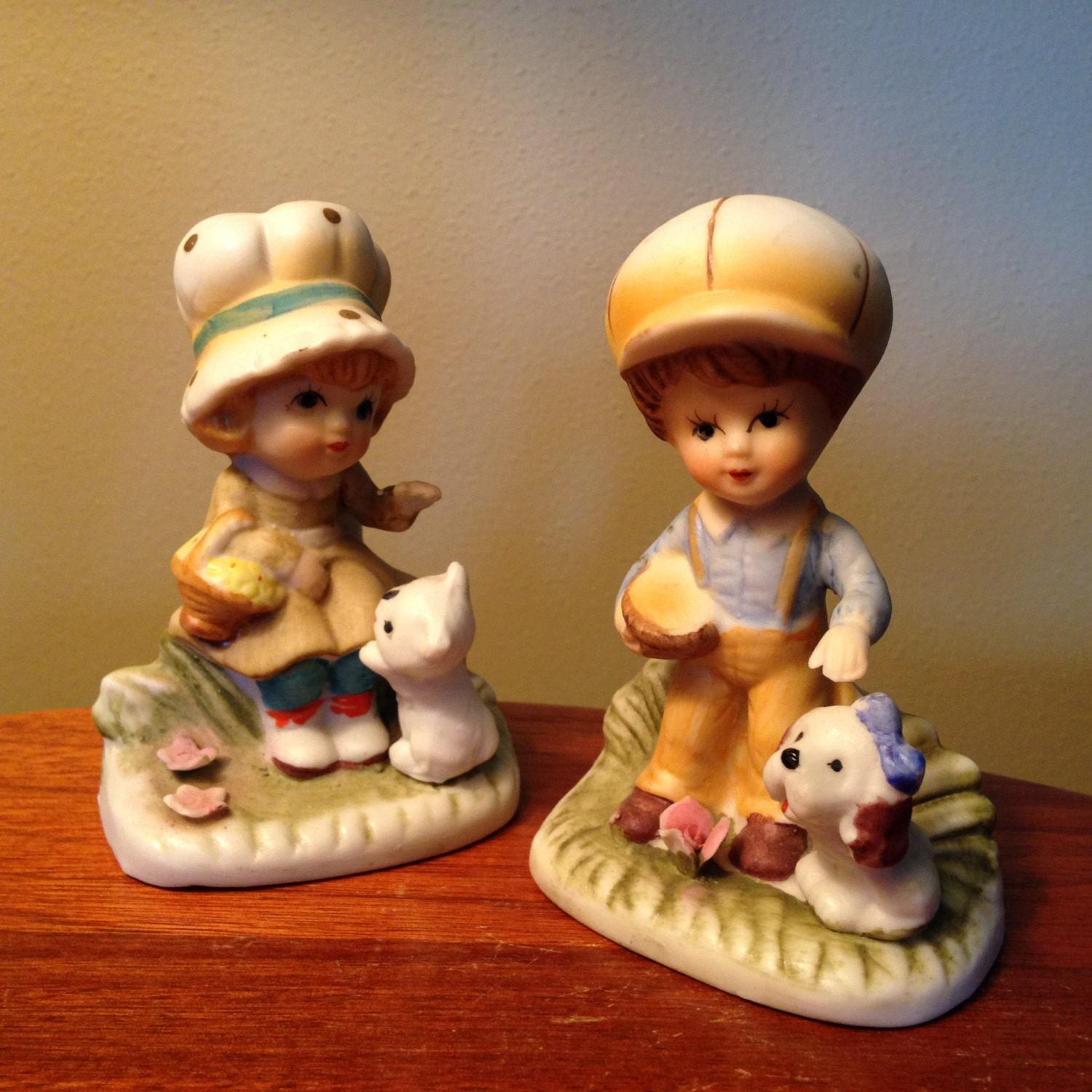 Vintage homco porcelain girl and boy pair of figurines Home interiors figurines homco