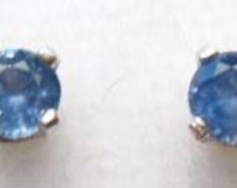 Sterling Silver Yogo sapphire earrings .16ct