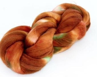Superwash spinning fibre top sliver - Merino - hand dyed - 100gr - 'My Other Coat Is Brown, Too'