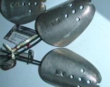 VTG Antique Mens 1960s Shoe Forms, Antique Metal, Adjustable in Size, Excellent Condition