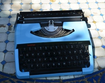 Custom made Blue brother 220 deluxe - Working Vintage Typewriter