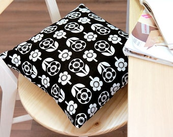 Scandinavian Style Flower Pattern Fabric Black and White Color by Yard AQ77