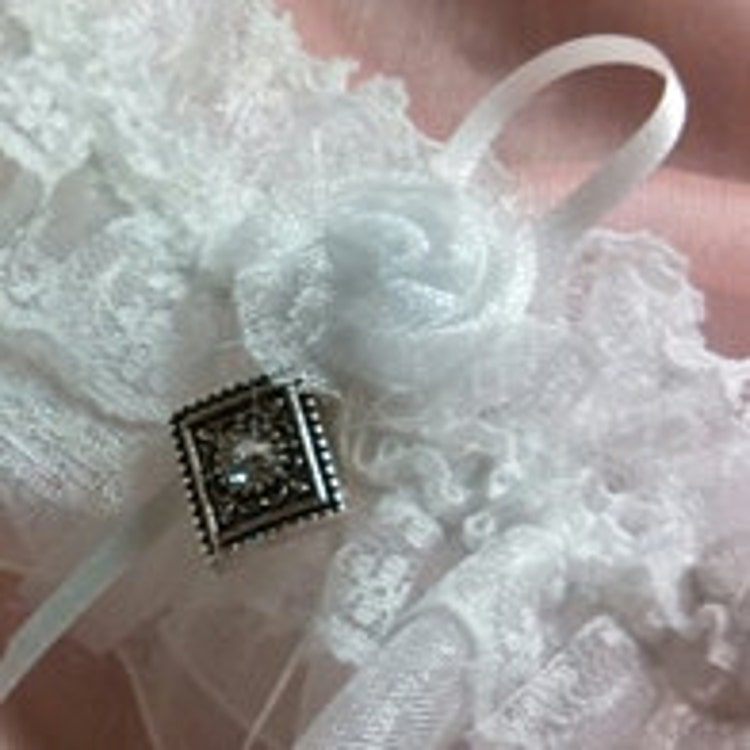 Wedding Dress Garter: Wedding Dress Garter Flask Wedding Lingerie By