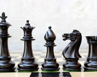 """Royal Staunton Chess Set in Ebonized Boxwood and Boxwood - 4"""""""