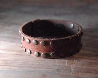 Studded Leather Bracelet clasp closure Tan 0.8 inch
