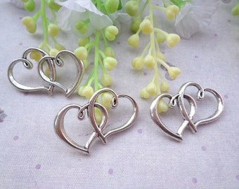 Sale--50 PCS 32X20mm Lovely Antique Silver Heart To Heart Charm Pendant