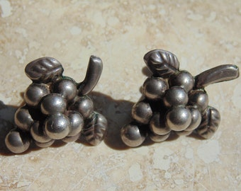 Mexico Silver Screw Back Grape Bunch Earrings