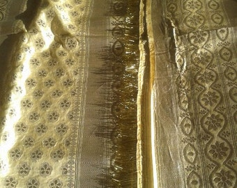 Golden wedding sari with zari tassel, Pure silk cream color sari, Heavy golden zari weave all over, Excellent golden zari work, Vintage 1981