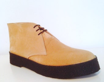 Chukka Boots in Camel Suede