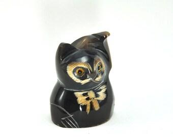 Vintage Cute lucky maneki neko Cat figurine statue hand carved sculpture from buffalo horn animal figure
