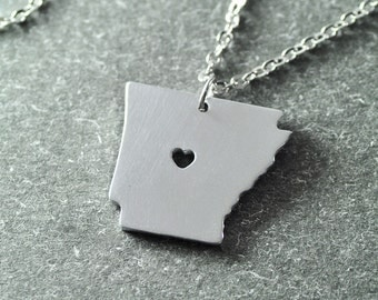Free shipping - I heart Arkansas  Necklace -  Arkansas Pendant - State Necklace - State Charm - Map necklace - Map Jewelry
