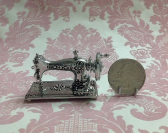 Dollhouse Miniature Vintage Silver Heavy Metal Sewing Machine Scale