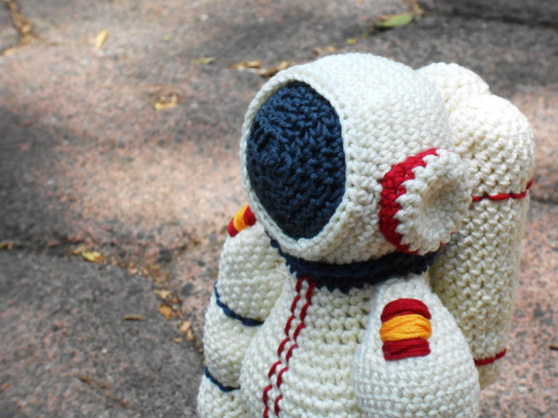 astronaut crochet - photo #16