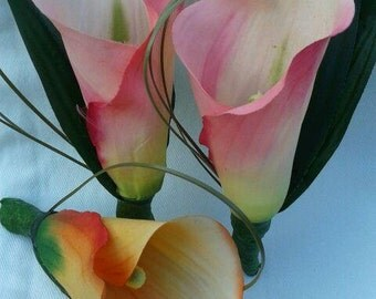 LILY BOUTONNIERE, PASTEL Boutonniere, Weddng Flowers, Beach Wedding Boutonniere, Tropical Boutonniere, Groom,Groomsmen Boutonniere,