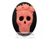 Free Shipping - 3pcs 30 x 40 mm Mexican Sugar Skull Crown Cameo Cabochon White&Peach F1282