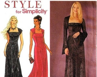 Simplicity 8839 Gothic Styled Dress 1999 / SZ8-18 UNCUT