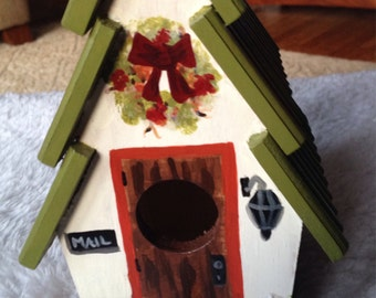 Hand painted cottage style birdhouse