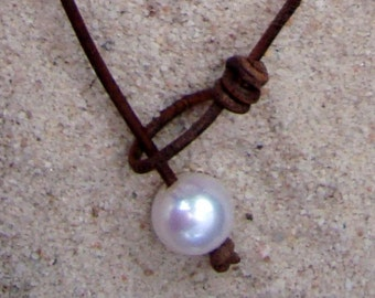 PEARL/ LEATHER NECKLACE  (Brooke)