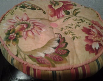 Retro Chair Cushion or Stool Pillow