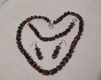 Distinctive Tigers Eye  necklace, bracelet & earrings set