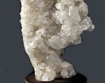 Very nice, clear mountain crystal level base of 1050 grams