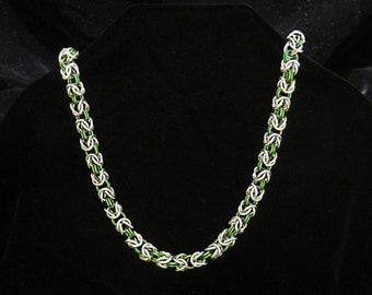 Chainmaille Byzantine Necklace - Handmade 18g Bright Aluminum / Green Anodized Aluminum