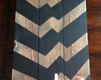 black chevron and distressed wood.  Love.