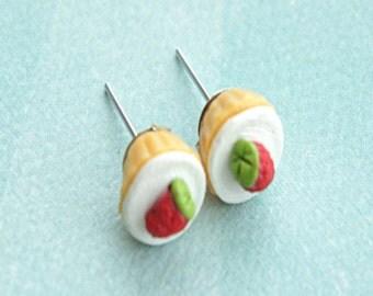 strawberry cupcakes earrings- miniature food, food earrings, cupcake jewelry