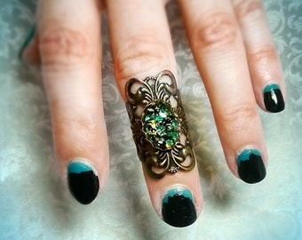Rhaegal Filigree Knuckle Ring with Amazing Dragon scale Glass Stone Antique Gold Tone metal