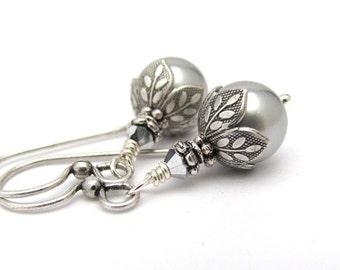 Silver Gray Pearl Earrings Swarovski Crystal Gray Pearls Wedding Jewelry, Bridesmaid Earrings, Bridal Gift,Antiqued Silvertone Earrings
