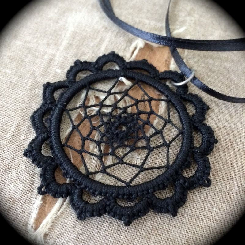 https://www.etsy.com/listing/169779721/tatted-lace-pendant-dream-catcher?