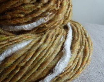 Handspun art yarn with white organic linen slubs, 151 yards