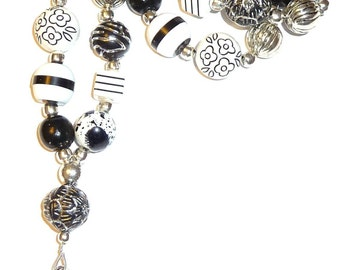Chunky Black & White Fashion Lanyard with break away magnetic clasp