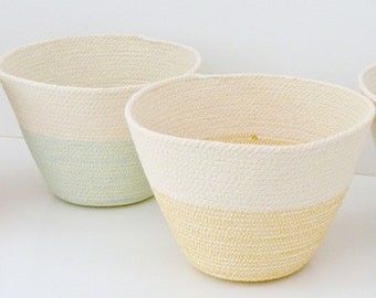 Cotton Cord bowl British style with colour stitching in half bottom