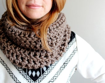 crochet infinity scarf in TAUPE SHINE (wool blend)