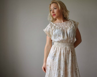 1970s Floral & Neutral Summer dress~Size Extra small to small