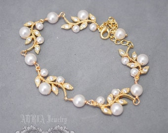 Gold Wedding Bracelet, Pearl Bridal Bracelet, Ivory White Pearls Crystal Rhienstone Vintage Style Leaf Bracelet, Bridal jewelry