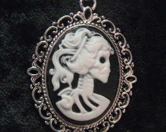 Skeleton Cameo Pendant Necklace -small