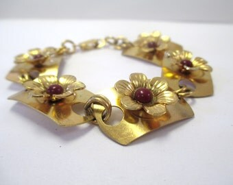 Vintage Gold-Tone Antique Style Floral Bracelet DEADSTOCK